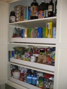 Budget les tr sors de vos placards de cuisine s for Organiser ses placards de cuisine