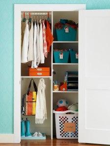 crochets sous étagère